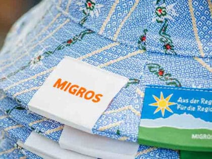 Migros Give-Away für Schwingfeste: Werbeartikel SWISS MADE