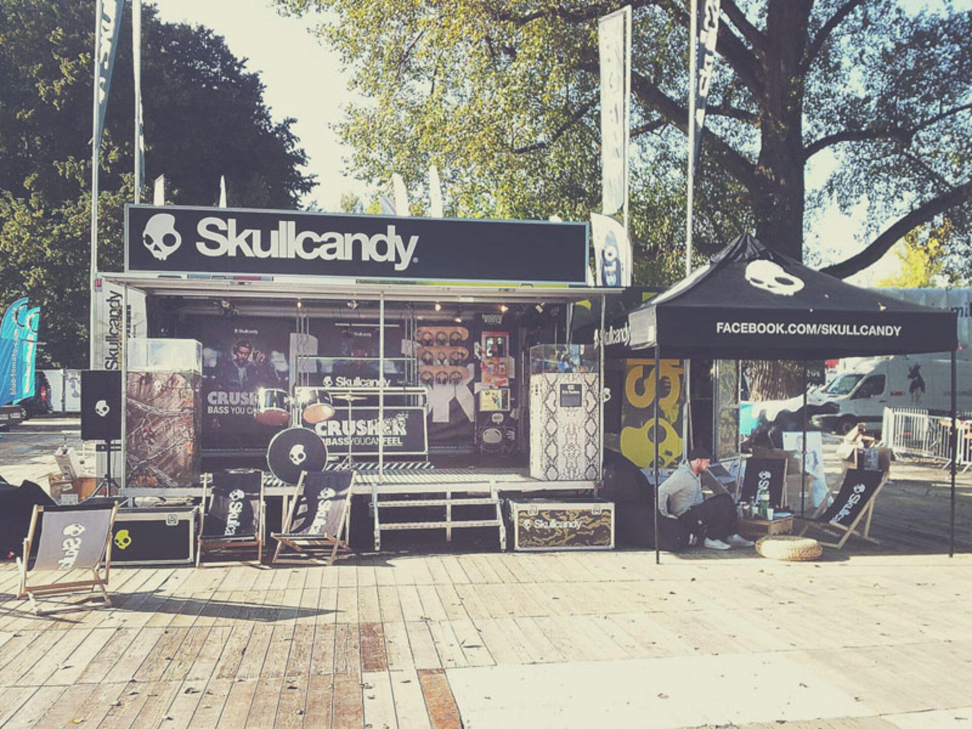 Bedruckte Messebekleidung Skullcandy
