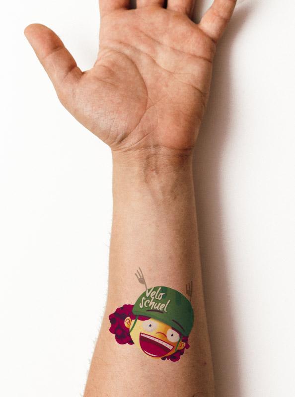 Tattoo Temporaer Mit Eigenem Motiv Auf Arm
