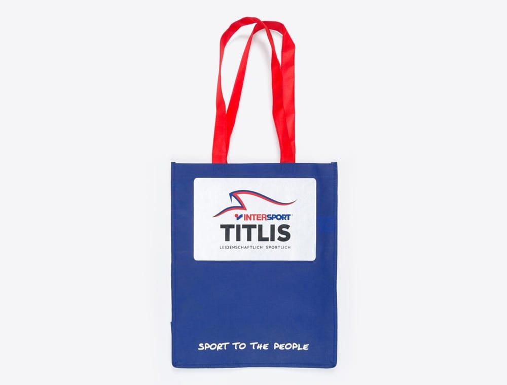 werbeartikel-im-corporate-identity-look-shopping-bag-mit-logo-intersport